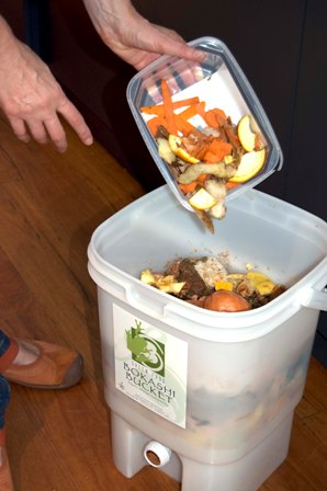 bokashi compost bucket